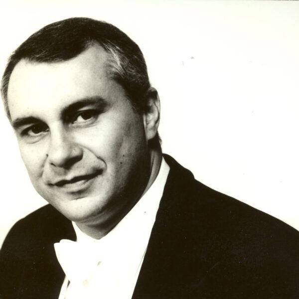 Giuliano Carella, conductor