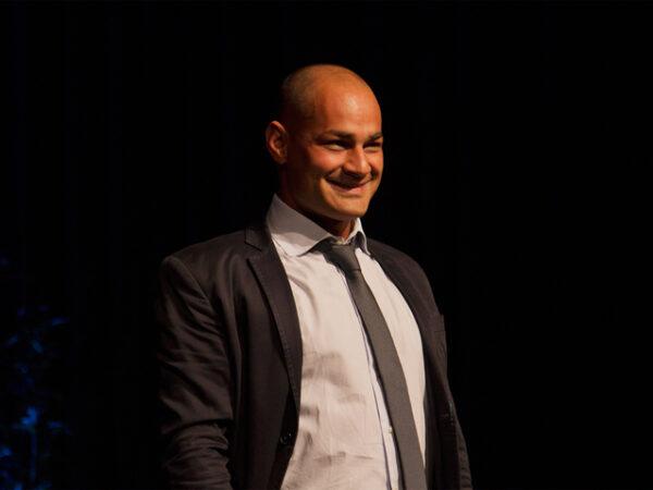 Daniel Giulianini, bass