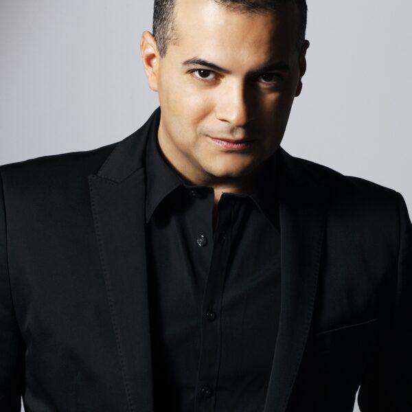 Gaston Rivero, tenor