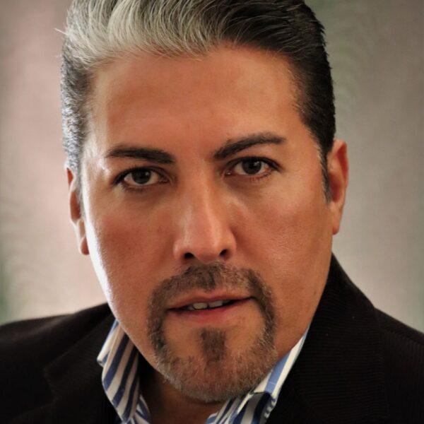 Hector Sandoval, tenor