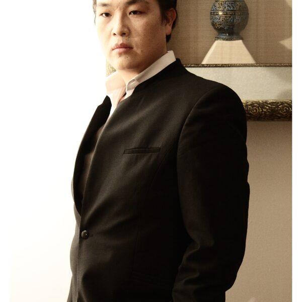 In Sung Sim, bass