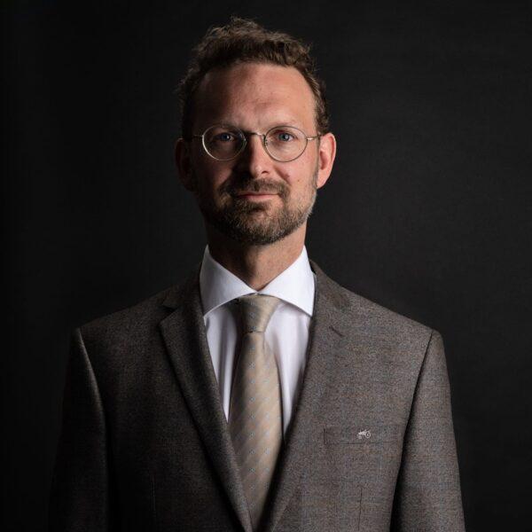 Magnus Loddart, conductor